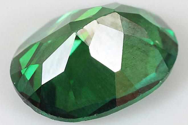 Зеленый топаз