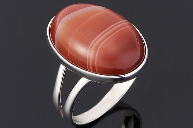 Кольцо из красного агата