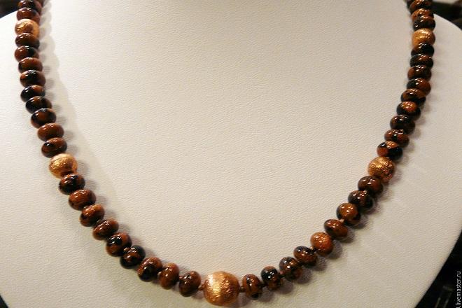 Ожерелье из коричневого топаза