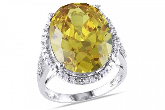 Кольцо из желтого топаза
