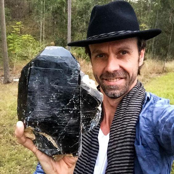 огромный морион найденный в Ewingar NSW Australia