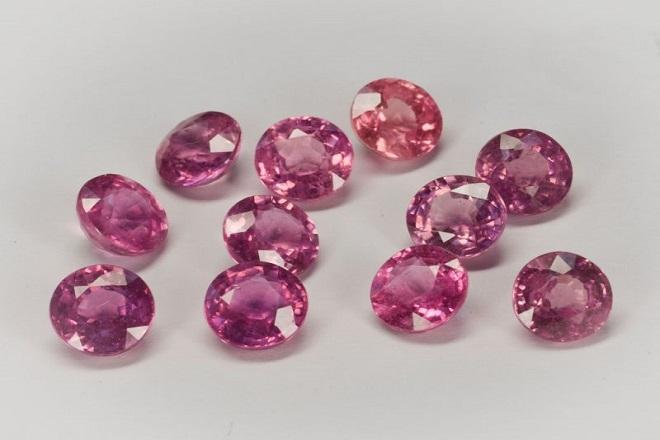 Искуственный розовый сапфир