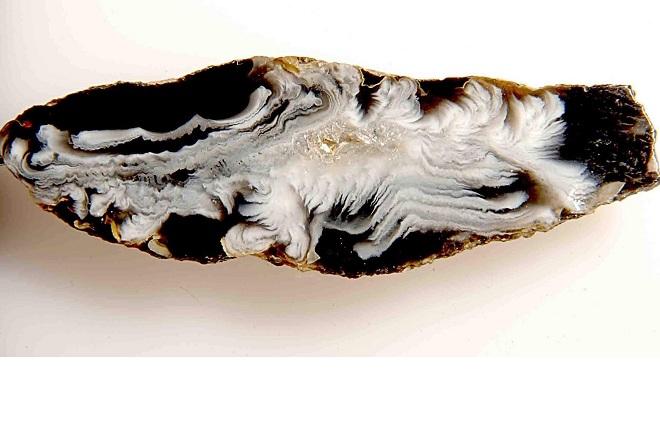 Черно-белый агат