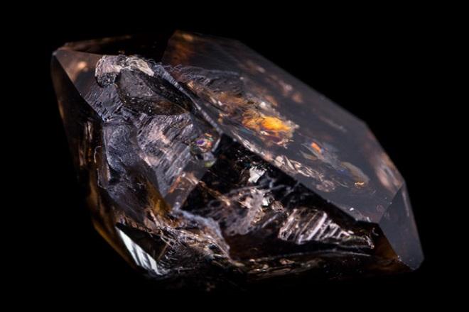 Херкимерский алмаз с жидкостью внутри
