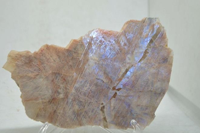Неограненный беломорит