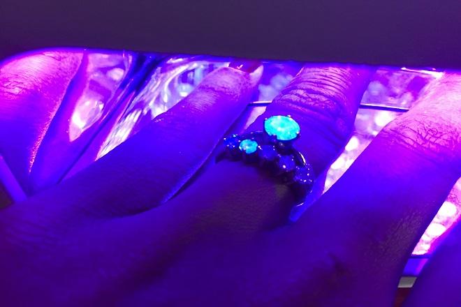 Проверка ультрафиолетом