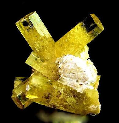 золотой берилл гелиодор