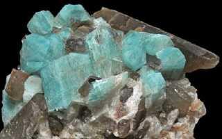 РАУХТОПАЗ: дымчатый камень-хамелеон
