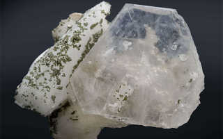 АЛЬБИТ — «лунный» камень