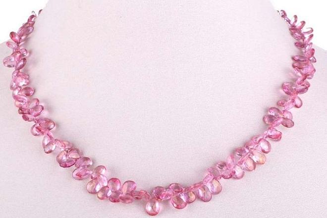 Ожерелье из розового топаза