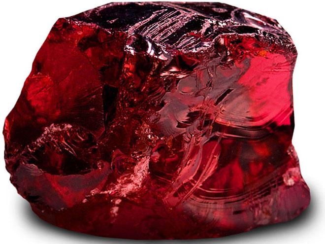гранат-камень