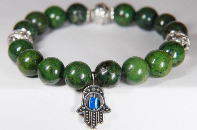 украшения из зеленой яшмы