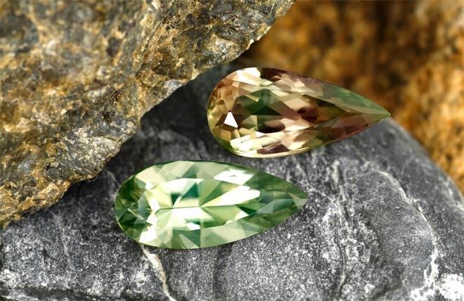 камни султанит