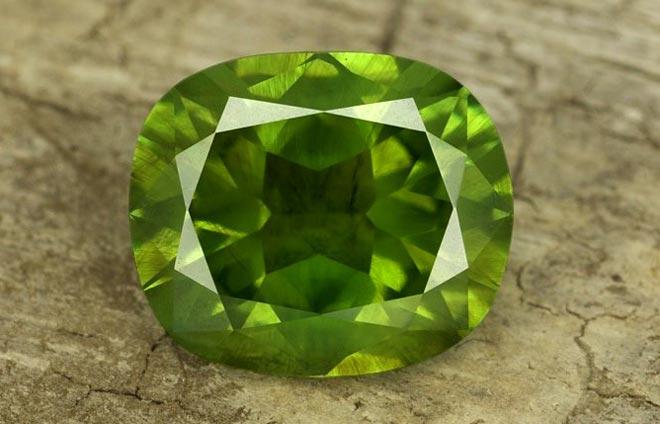 демантоид камень