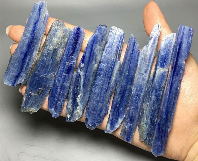 минерал Кианит