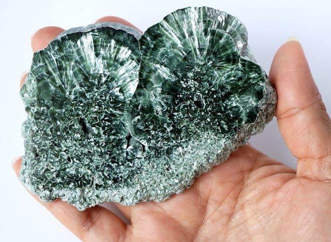 серафинит минерал