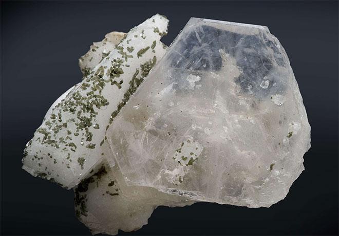 альбит камень